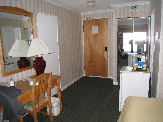 Quality Inn Downtown Inner Harbour: room 2