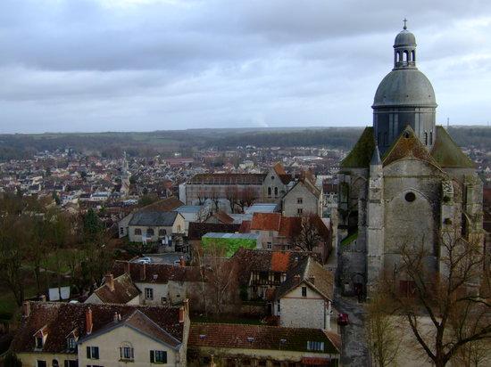 Provins, France: セザール塔から東側