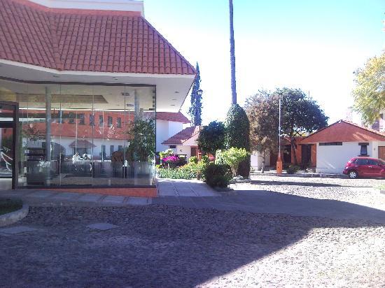 Hotel Flamingo Inn: Hacia la recepcion