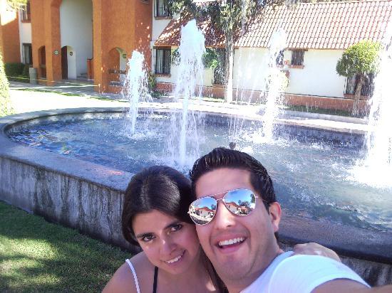 Hotel Flamingo Inn: a lado de la fuente