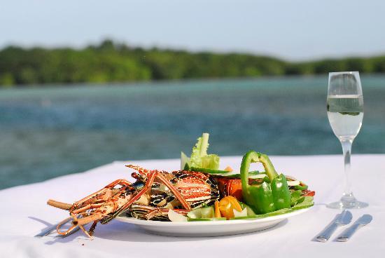 Koro Sun Resort and Rainforest Spa: Dining seaside
