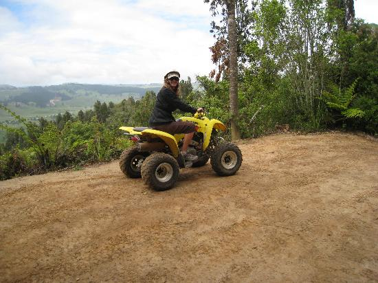 Tauhara Sunrise Lodge: Four wheel riding