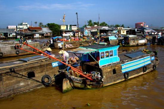Chau Doc, เวียดนาม: floating market on Mekong (Cantho)