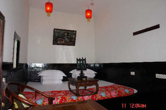 Pingyao Yide Hotel: The double room with Traditional Kang bed
