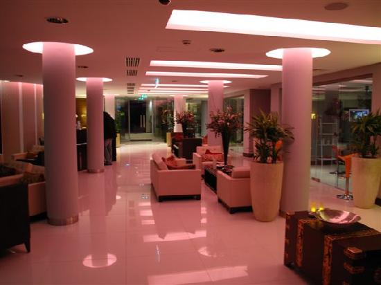 Rafayel on the Left Bank - Hotel & Spa: Rafayel's Lobby