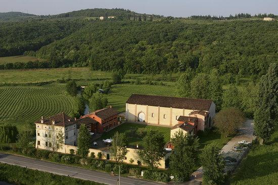 "Musella Winery & Relais : ""Courtyard"""