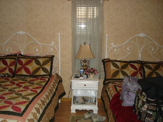 Julia's Cajun Country Bed & Breakfast: 2 lits confortables