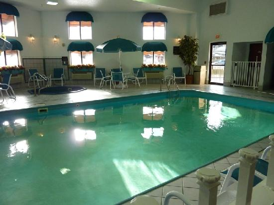 Mt. Rushmore's Washington Inn & Suites: Piscina 2
