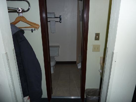 Rodeway Inn Livingston: Entrada baño