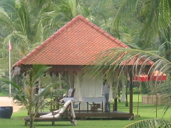 Club Med Cherating Beach : pavillon de massage sur la plage