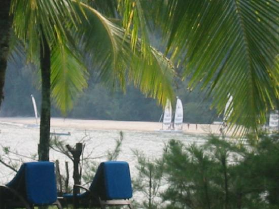 Club Med Cherating Beach : vers le centre nautique