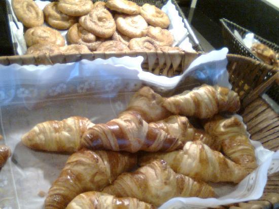 Vincci Selección La Plantación del Sur: los croissant horneados al momento... deliciosos