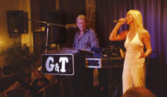 Inglewood Hotel: Entertainment dancing 7 nights a week