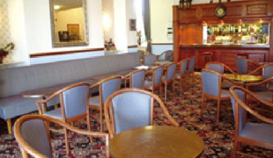 Inglewood Hotel: Bar lounge