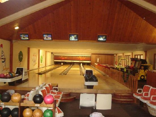 Clonea Strand Hotel: Bowling Alley in Clonea Strand