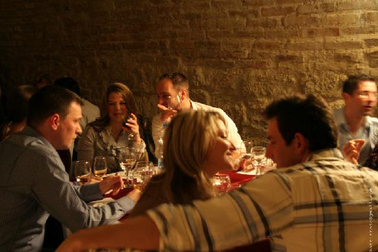 Royal Wine House and Wine Cellar Museum: Tasting