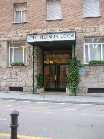 Regencia Colon Hotel: Front of the hotel