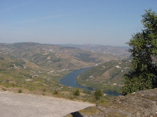 Kuzey Portekiz, Portekiz: The Douro river from Mesão Frio