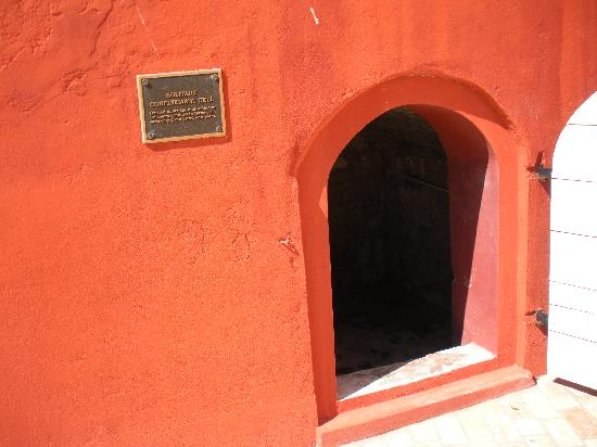 Fort Frederik: solitary confinement cell