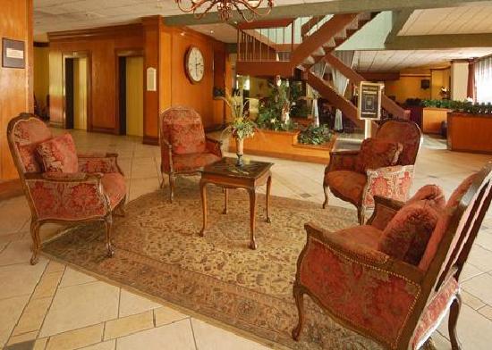 The Grand Hotel Dallas: LOBBY