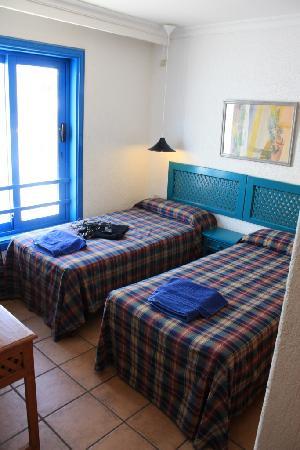 Twin bedroom - room 301