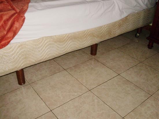 moisissure sur matelas nettoyage best cheap comment nettoyer la moisissure comment nettoyer la. Black Bedroom Furniture Sets. Home Design Ideas
