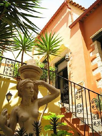 Casa Leone Boutique Hotel: Hotel  garden