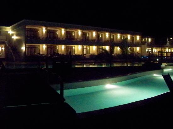 La Hacienda Bahía Paracas: hotel at night
