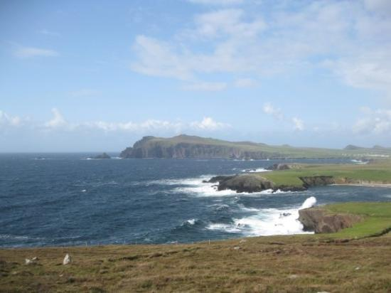 Dingle, Ireland: Anybody see the Ferriter's Castle? It must be there.. :P