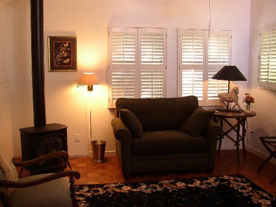 Belle de Jour Inn : Cottage #3 The Atelier