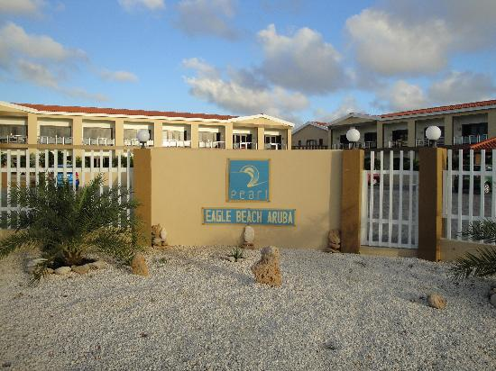 Aruba Breeze Condominium: Hotel Entrance