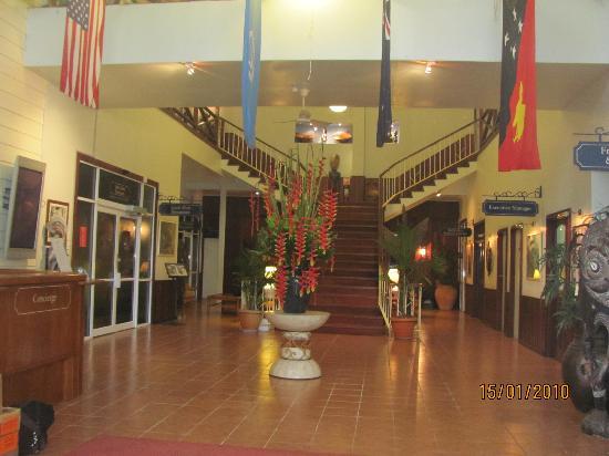 Madang Resort Hotel: Hotel Foyer