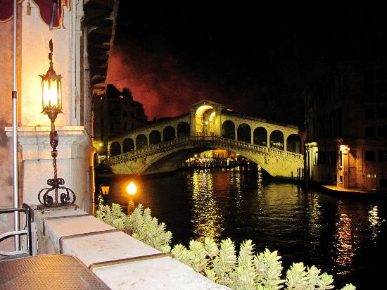 Al Ponte Antico Hotel: The night of the Redentore Festival.  The fireworks light up the sky behind the Rialto