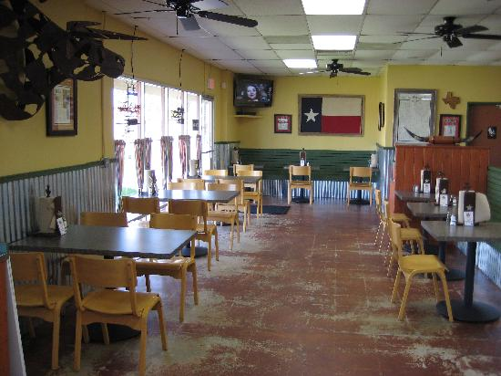 tooties texas barbeque bbq : eat here