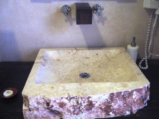 Hotel Casa San Angel: our bathroom