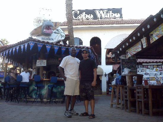 El Ameyal Hotel & Family Suites: Me & My Friend at Club Cabo Wabo