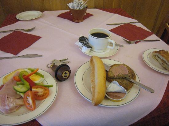 アック-ニフォス ズラタ フベズダ, 朝食