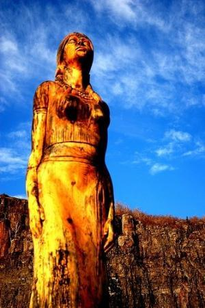 Thunder Bay, Kanada: Wood Statue on Mount McKay