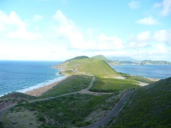 Basseterre, St. Kitts: caribbean/atlantic ocean divide
