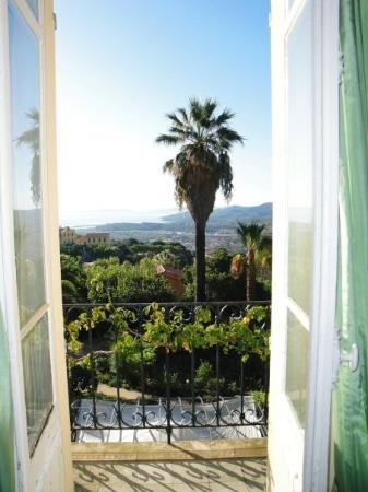 Bormes-Les-Mimosas, Prancis: A view from our rented house!!
