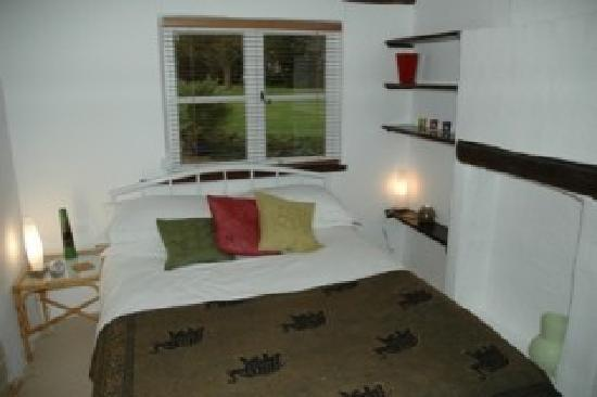 Woodbridge, UK: Bedroom at Thatched farm