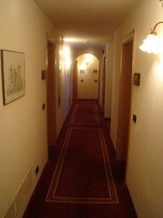 Family Wellness Hotel Renato: Corridoio