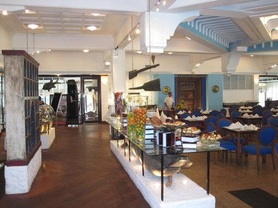 Royal Palms Beach Hotel: resto