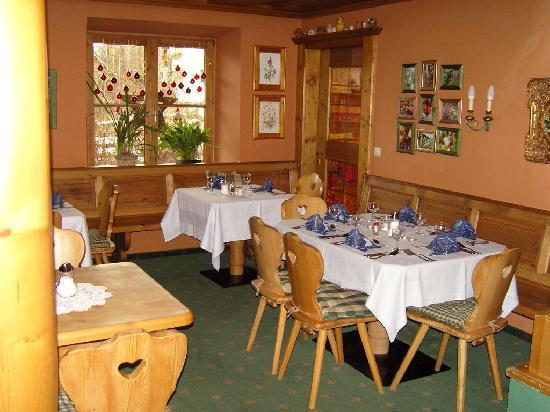 Hotel Edelweiss: Dining area