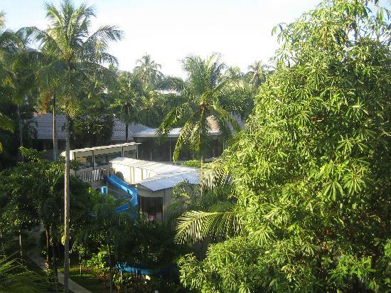 Novotel Phuket Surin Beach Resort. : view from balcony