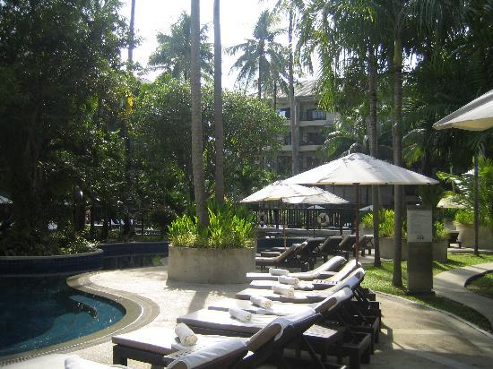 Novotel Phuket Surin Beach Resort. : ouside