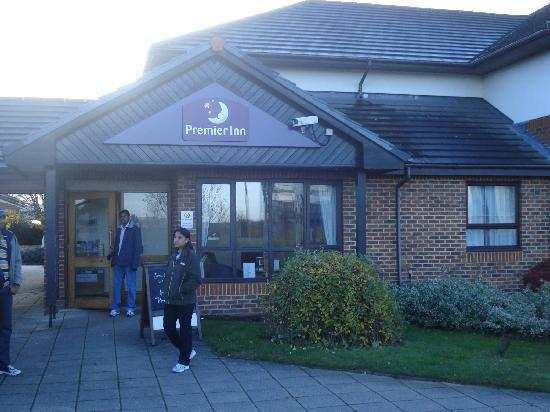 Premier Inn Hatfield Hotel: Entrance