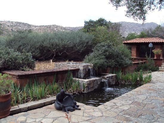 Rancho La Puerta Spa: Outside the dining hall