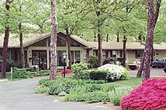 Midway Motel & Cottages