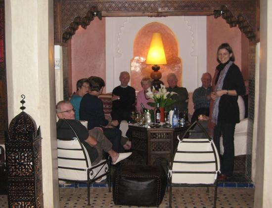 Riad le Clos des Arts : Pre-dinner drink with the Georgina